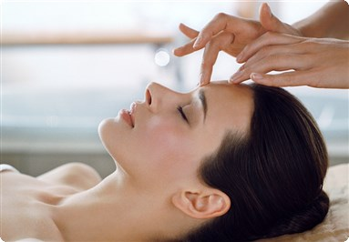 Mobile Beauty Therapist Guilford for Spa Packages